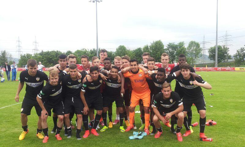 Welch ein Abschied: VfB-Trainer Domenico Tedesco holt mit der U17 das Double! Und die Deutsche Meisterschaft ist auch noch drin!