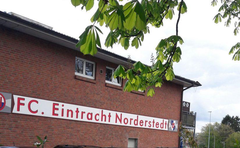 Vor dem Hafen zur Welt, Fußball rund um Hamburg: Ein Scouting-Wochenende bei Eintracht Norderstedt. Ein paar Talente, und eine deftige Gulasch- statt Torjägerkanone. Beim FC Eintracht geht es familiär professionell zu